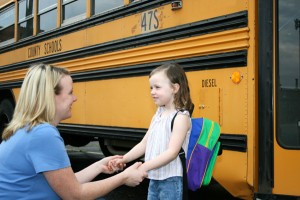 mom-and-daughter-and-school-bus_irgrs5